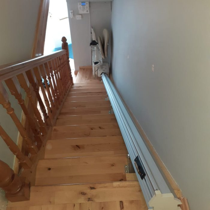 stairlift for narrow stairway